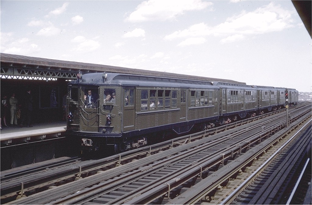 (211k, 1024x675)<br><b>Country:</b> United States<br><b>City:</b> New York<br><b>System:</b> New York City Transit<br><b>Line:</b> IRT Pelham Line<br><b>Location:</b> Castle Hill Avenue <br><b>Route:</b> Fan Trip<br><b>Car:</b> Low-V (Museum Train) 5466 <br><b>Photo by:</b> Doug Grotjahn<br><b>Collection of:</b> Joe Testagrose<br><b>Date:</b> 4/25/1970<br><b>Viewed (this week/total):</b> 1 / 2478