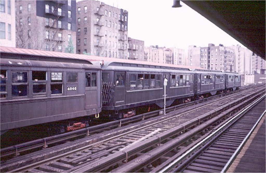 (186k, 1024x667)<br><b>Country:</b> United States<br><b>City:</b> New York<br><b>System:</b> New York City Transit<br><b>Line:</b> 3rd Avenue El<br><b>Location:</b> 210th Street <br><b>Route:</b> Fan Trip<br><b>Car:</b> Low-V (Museum Train) 5466 <br><b>Photo by:</b> Doug Grotjahn<br><b>Collection of:</b> Joe Testagrose<br><b>Date:</b> 4/29/1973<br><b>Notes:</b> Fantrip held day after closure of 3rd Avenue El<br><b>Viewed (this week/total):</b> 2 / 3146
