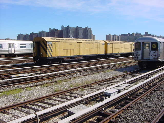 (61k, 640x480)<br><b>Country:</b> United States<br><b>City:</b> New York<br><b>System:</b> New York City Transit<br><b>Location:</b> Coney Island Yard<br><b>Car:</b> R-123 Continuous Welded Rail Handler (R17/R21/R22 Rebuilds) CCR01 <br><b>Photo by:</b> Salaam Allah<br><b>Date:</b> 10/29/2000<br><b>Viewed (this week/total):</b> 1 / 4083
