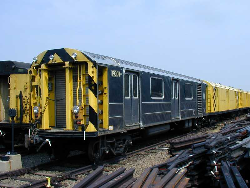 (48k, 800x600)<br><b>Country:</b> United States<br><b>City:</b> New York<br><b>System:</b> New York City Transit<br><b>Location:</b> 36th Street Yard<br><b>Car:</b> R-65 Pump Car 01 <br><b>Photo by:</b> Jeff Erlitz<br><b>Date:</b> 5/27/2002<br><b>Viewed (this week/total):</b> 2 / 7954