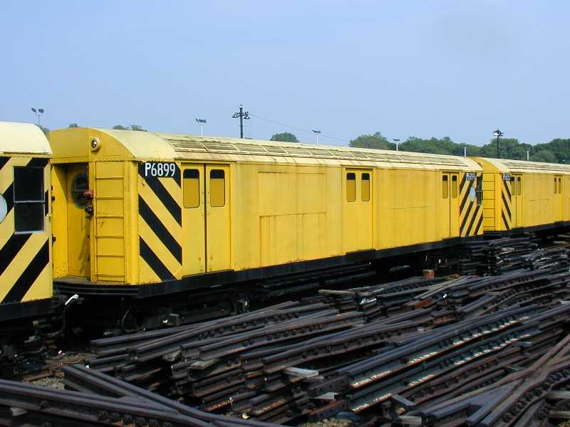 (48k, 800x600)<br><b>Country:</b> United States<br><b>City:</b> New York<br><b>System:</b> New York City Transit<br><b>Location:</b> 36th Street Yard<br><b>Car:</b> R-71 Pump/Reach Car (R-17/R-21/R-22 Rebuilds) P6899 (ex-6899)<br><b>Photo by:</b> Jeff Erlitz<br><b>Date:</b> 5/27/2002<br><b>Notes:</b> Reach car<br><b>Viewed (this week/total):</b> 5 / 5201