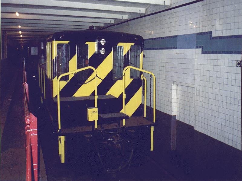 (82k, 800x600)<br><b>Country:</b> United States<br><b>City:</b> New York<br><b>System:</b> New York City Transit<br><b>Location:</b> New York Transit Museum<br><b>Car:</b> GE 70-ton Locomotive (orig. for Speno Train)  10 <br><b>Photo by:</b> Constantine Steffan<br><b>Date:</b> 6/20/1998<br><b>Viewed (this week/total):</b> 1 / 4709