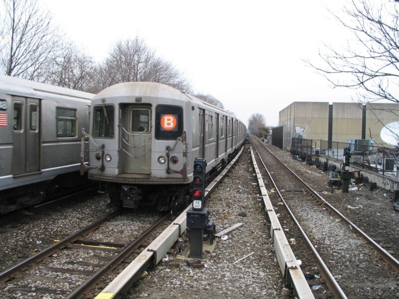 (131k, 800x600)<br><b>Country:</b> United States<br><b>City:</b> New York<br><b>System:</b> New York City Transit<br><b>Line:</b> BMT Brighton Line<br><b>Location:</b> Kings Highway <br><b>Route:</b> B<br><b>Car:</b> R-40M (St. Louis, 1969)  4453 <br><b>Photo by:</b> Neil Feldman<br><b>Date:</b> 3/25/2005<br><b>Viewed (this week/total):</b> 9 / 4198