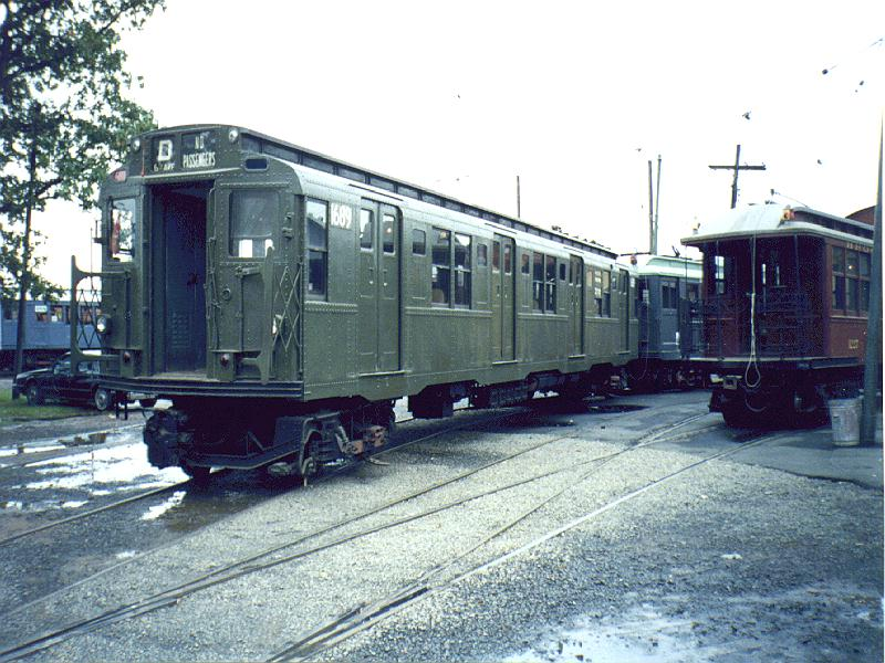 (106k, 800x600)<br><b>Country:</b> United States<br><b>City:</b> East Haven/Branford, Ct.<br><b>System:</b> Shore Line Trolley Museum <br><b>Car:</b> R-9 (American Car & Foundry, 1940)  1689 <br><b>Photo by:</b> Constantine Steffan<br><b>Date:</b> 10/10/1998<br><b>Viewed (this week/total):</b> 0 / 3557