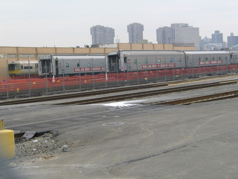 (88k, 800x600)<br><b>Country:</b> United States<br><b>City:</b> New York<br><b>System:</b> Long Island Rail Road<br><b>Line:</b> LIRR Long Island City<br><b>Location:</b> Long Island City <br><b>Car:</b> LIRR Budd M1 (EMU) 9726 <br><b>Photo by:</b> Neil Feldman<br><b>Date:</b> 3/25/2005<br><b>Notes:</b> With Ringling Brothers train.<br><b>Viewed (this week/total):</b> 0 / 3645