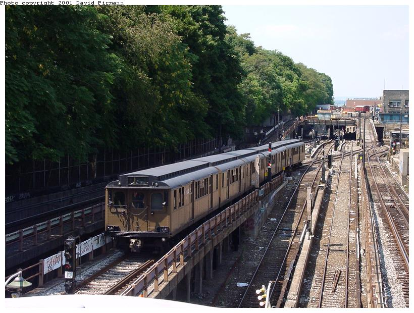 (111k, 820x620)<br><b>Country:</b> United States<br><b>City:</b> New York<br><b>System:</b> New York City Transit<br><b>Line:</b> BMT West End Line<br><b>Location:</b> 9th Avenue <br><b>Route:</b> Fan Trip<br><b>Car:</b> BMT D-Type Triplex 6112 <br><b>Photo by:</b> David Pirmann<br><b>Date:</b> 8/26/2001<br><b>Viewed (this week/total):</b> 3 / 4516