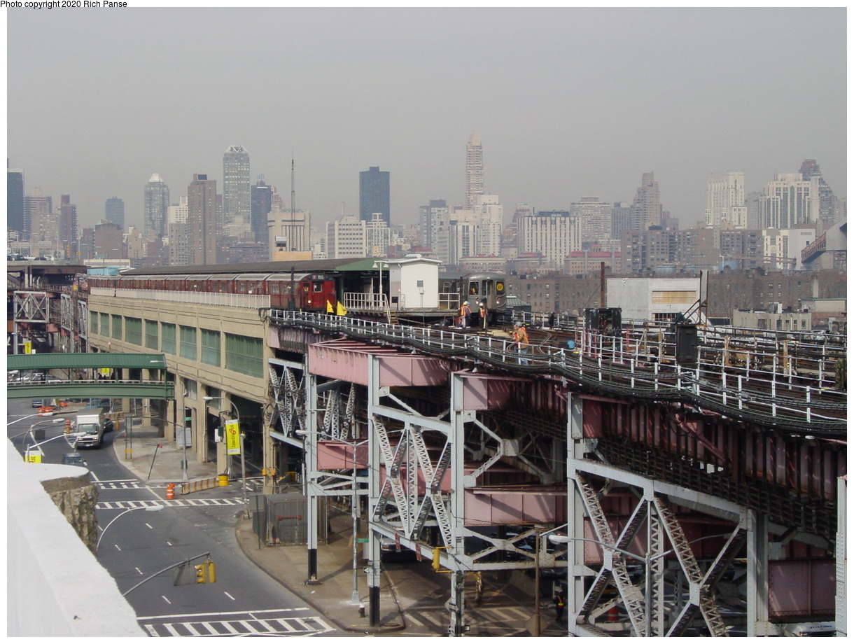 (92k, 820x620)<br><b>Country:</b> United States<br><b>City:</b> New York<br><b>System:</b> New York City Transit<br><b>Line:</b> IRT Flushing Line<br><b>Location:</b> Queensborough Plaza <br><b>Route:</b> 7<br><b>Car:</b> R-36 World's Fair (St. Louis, 1963-64)  <br><b>Photo by:</b> Richard Panse<br><b>Date:</b> 3/7/2002<br><b>Viewed (this week/total):</b> 0 / 4386