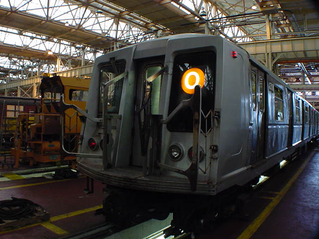 (60k, 640x480)<br><b>Country:</b> United States<br><b>City:</b> New York<br><b>System:</b> New York City Transit<br><b>Location:</b> Coney Island Shop/Overhaul & Repair Shop<br><b>Car:</b> R-40 (St. Louis, 1968)   <br><b>Photo by:</b> Salaam Allah<br><b>Date:</b> 10/29/2000<br><b>Viewed (this week/total):</b> 2 / 4085