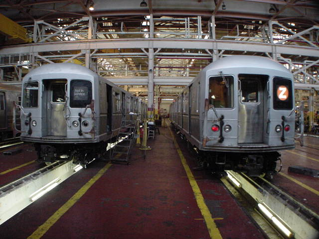 (60k, 640x480)<br><b>Country:</b> United States<br><b>City:</b> New York<br><b>System:</b> New York City Transit<br><b>Location:</b> Coney Island Shop/Overhaul & Repair Shop<br><b>Car:</b> R-40M (St. Louis, 1969)   <br><b>Photo by:</b> Salaam Allah<br><b>Date:</b> 10/29/2000<br><b>Viewed (this week/total):</b> 0 / 3556