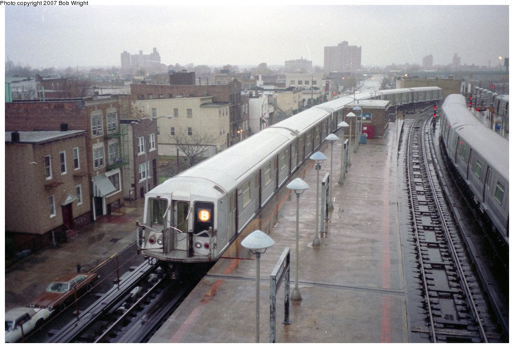 (153k, 1044x708)<br><b>Country:</b> United States<br><b>City:</b> New York<br><b>System:</b> New York City Transit<br><b>Location:</b> Coney Island/Stillwell Avenue<br><b>Route:</b> B<br><b>Car:</b> R-40 (St. Louis, 1968)  4152 <br><b>Photo by:</b> Bob Wright<br><b>Date:</b> 11/10/1991<br><b>Viewed (this week/total):</b> 3 / 4154