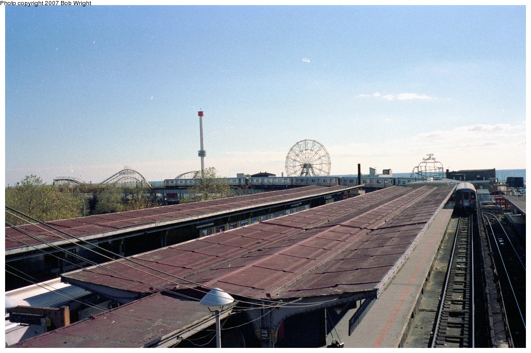 (146k, 1044x695)<br><b>Country:</b> United States<br><b>City:</b> New York<br><b>System:</b> New York City Transit<br><b>Location:</b> Coney Island/Stillwell Avenue<br><b>Photo by:</b> Bob Wright<br><b>Date:</b> 11/1988<br><b>Viewed (this week/total):</b> 0 / 996