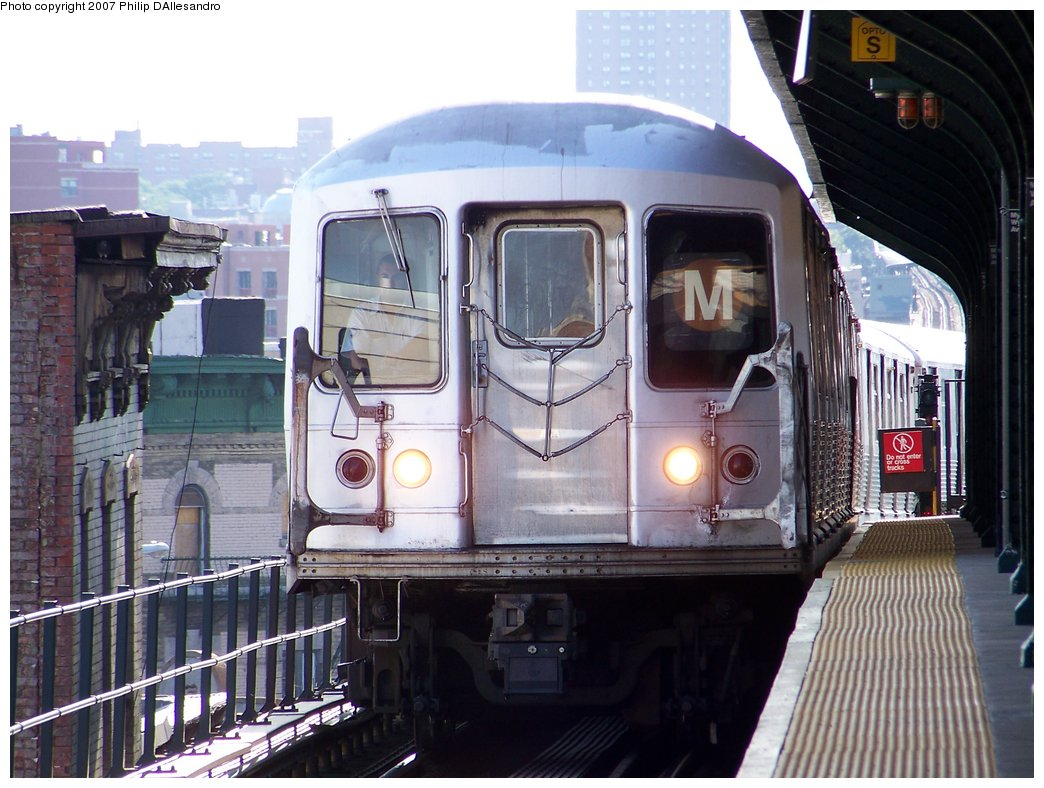 (187k, 1044x788)<br><b>Country:</b> United States<br><b>City:</b> New York<br><b>System:</b> New York City Transit<br><b>Line:</b> BMT Myrtle Avenue Line<br><b>Location:</b> Wyckoff Avenue <br><b>Route:</b> M<br><b>Car:</b> R-42 (St. Louis, 1969-1970)   <br><b>Photo by:</b> Philip D'Allesandro<br><b>Date:</b> 7/27/2007<br><b>Viewed (this week/total):</b> 0 / 1059