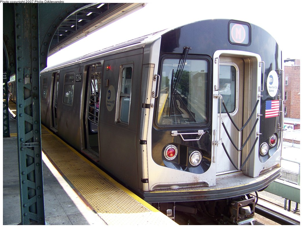 (200k, 1044x788)<br><b>Country:</b> United States<br><b>City:</b> New York<br><b>System:</b> New York City Transit<br><b>Line:</b> BMT Myrtle Avenue Line<br><b>Location:</b> Fresh Pond Road <br><b>Route:</b> M<br><b>Car:</b> R-143 (Kawasaki, 2001-2002) 8284 <br><b>Photo by:</b> Philip D'Allesandro<br><b>Date:</b> 7/28/2007<br><b>Viewed (this week/total):</b> 3 / 2656