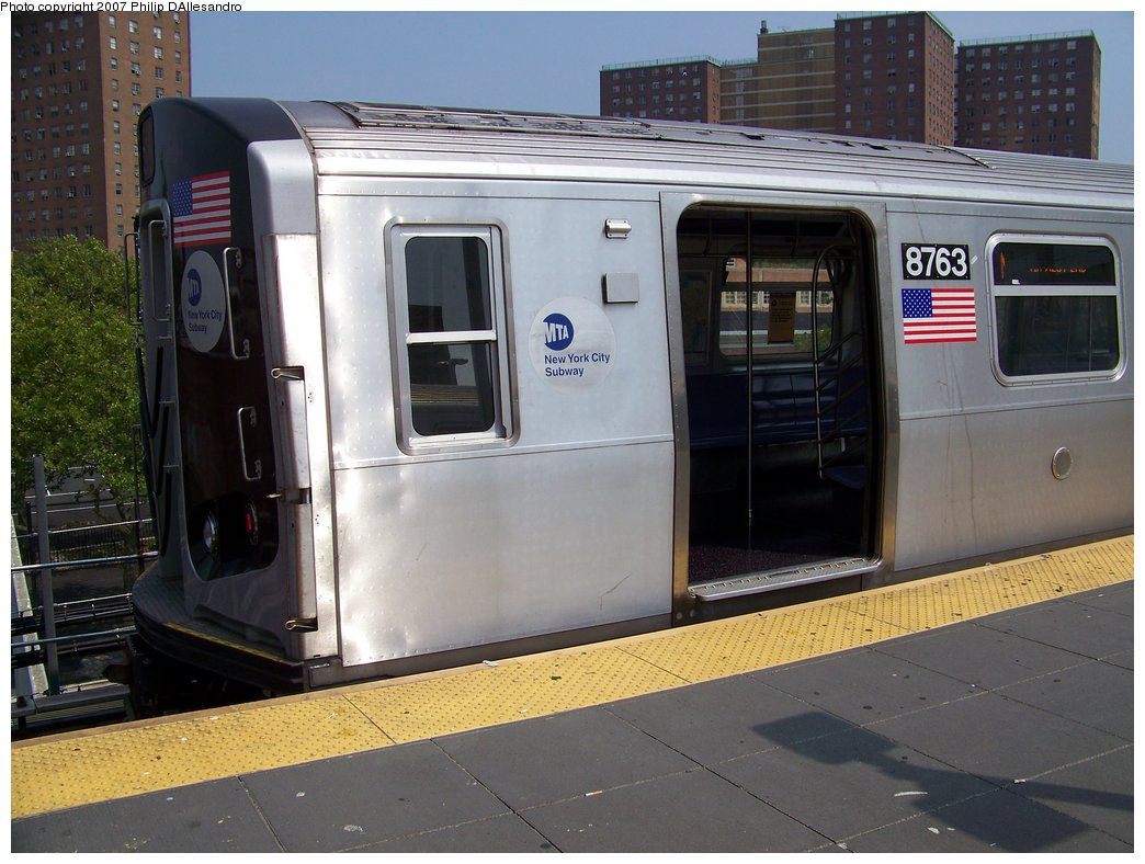 (176k, 1044x788)<br><b>Country:</b> United States<br><b>City:</b> New York<br><b>System:</b> New York City Transit<br><b>Location:</b> Coney Island/Stillwell Avenue<br><b>Route:</b> N<br><b>Car:</b> R-160B (Kawasaki, 2005-2008)  8763 <br><b>Photo by:</b> Philip D'Allesandro<br><b>Date:</b> 7/28/2007<br><b>Viewed (this week/total):</b> 0 / 2629