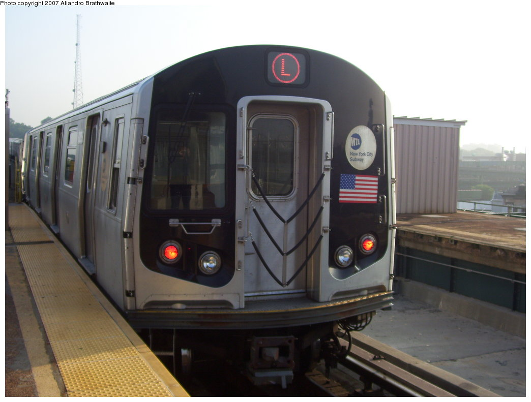 (135k, 1044x791)<br><b>Country:</b> United States<br><b>City:</b> New York<br><b>System:</b> New York City Transit<br><b>Line:</b> BMT Canarsie Line<br><b>Location:</b> Atlantic Avenue <br><b>Route:</b> L<br><b>Car:</b> R-143 (Kawasaki, 2001-2002) 8112 <br><b>Photo by:</b> Aliandro Brathwaite<br><b>Date:</b> 7/30/2007<br><b>Viewed (this week/total):</b> 1 / 2488