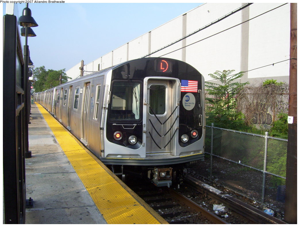 (208k, 1044x791)<br><b>Country:</b> United States<br><b>City:</b> New York<br><b>System:</b> New York City Transit<br><b>Line:</b> BMT Canarsie Line<br><b>Location:</b> East 105th Street <br><b>Route:</b> L<br><b>Car:</b> R-160A-1 (Alstom, 2005-2008, 4 car sets)  8332 <br><b>Photo by:</b> Aliandro Brathwaite<br><b>Date:</b> 7/30/2007<br><b>Viewed (this week/total):</b> 1 / 2529