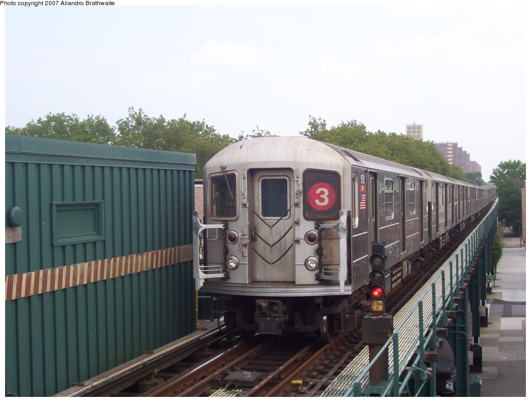 (160k, 1044x791)<br><b>Country:</b> United States<br><b>City:</b> New York<br><b>System:</b> New York City Transit<br><b>Line:</b> IRT Brooklyn Line<br><b>Location:</b> Saratoga Avenue <br><b>Route:</b> 3<br><b>Car:</b> R-62 (Kawasaki, 1983-1985)  1510 <br><b>Photo by:</b> Aliandro Brathwaite<br><b>Date:</b> 7/30/2007<br><b>Viewed (this week/total):</b> 4 / 2282
