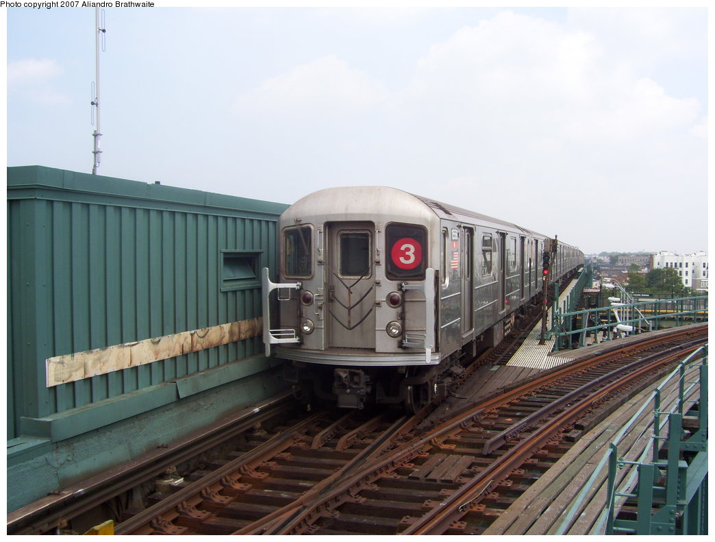 (162k, 1044x791)<br><b>Country:</b> United States<br><b>City:</b> New York<br><b>System:</b> New York City Transit<br><b>Line:</b> IRT Brooklyn Line<br><b>Location:</b> Junius Street <br><b>Route:</b> 3<br><b>Car:</b> R-62 (Kawasaki, 1983-1985)  1556 <br><b>Photo by:</b> Aliandro Brathwaite<br><b>Date:</b> 7/30/2007<br><b>Viewed (this week/total):</b> 2 / 3397
