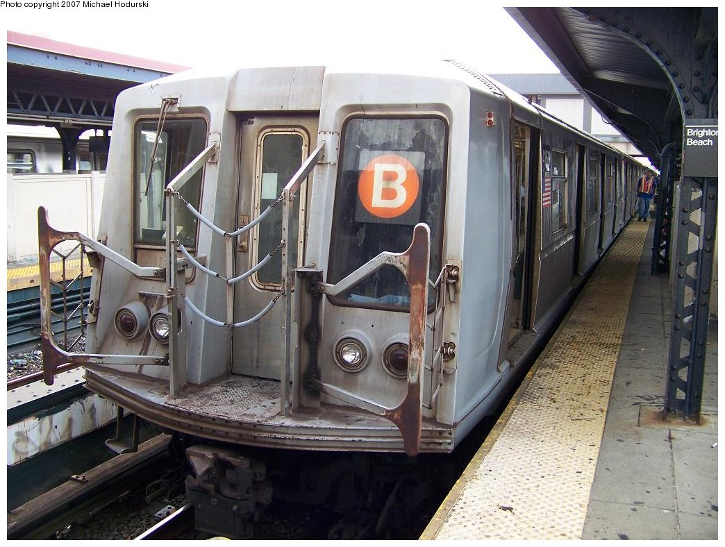 (202k, 1044x788)<br><b>Country:</b> United States<br><b>City:</b> New York<br><b>System:</b> New York City Transit<br><b>Line:</b> BMT Brighton Line<br><b>Location:</b> Brighton Beach <br><b>Route:</b> B<br><b>Car:</b> R-40 (St. Louis, 1968)  4168 <br><b>Photo by:</b> Michael Hodurski<br><b>Date:</b> 7/31/2007<br><b>Viewed (this week/total):</b> 3 / 1432