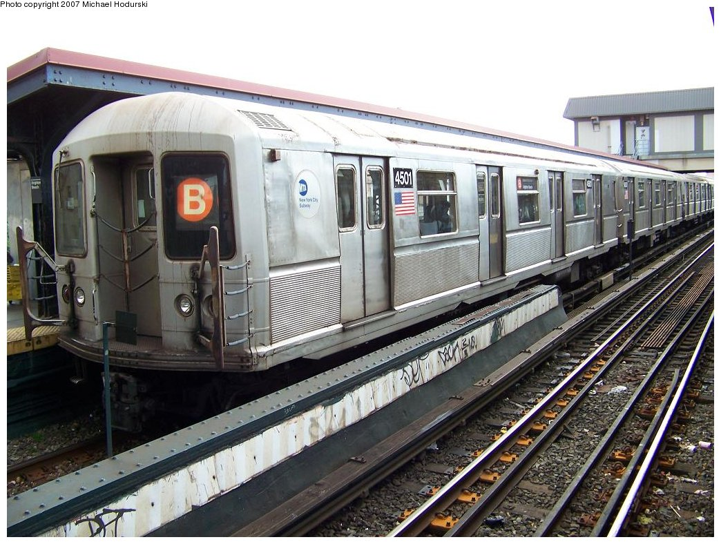 (217k, 1044x788)<br><b>Country:</b> United States<br><b>City:</b> New York<br><b>System:</b> New York City Transit<br><b>Line:</b> BMT Brighton Line<br><b>Location:</b> Brighton Beach <br><b>Route:</b> B<br><b>Car:</b> R-40M (St. Louis, 1969)  4501 <br><b>Photo by:</b> Michael Hodurski<br><b>Date:</b> 7/31/2007<br><b>Viewed (this week/total):</b> 2 / 1264