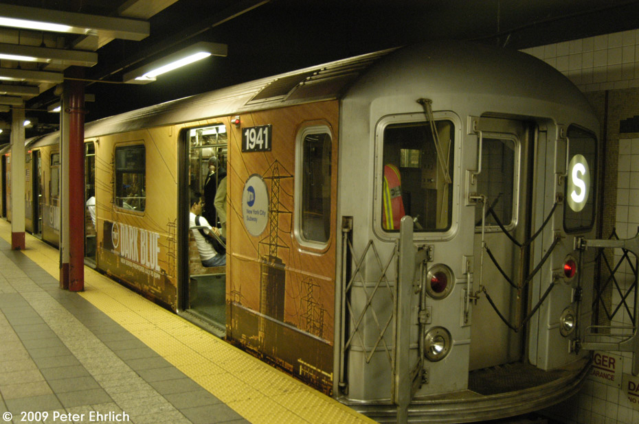 (211k, 930x618)<br><b>Country:</b> United States<br><b>City:</b> New York<br><b>System:</b> New York City Transit<br><b>Line:</b> IRT Times Square-Grand Central Shuttle<br><b>Location:</b> Grand Central <br><b>Car:</b> R-62A (Bombardier, 1984-1987)  1941 <br><b>Photo by:</b> Peter Ehrlich<br><b>Date:</b> 7/22/2009<br><b>Viewed (this week/total):</b> 0 / 593