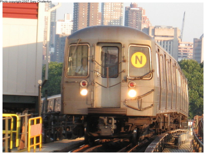 (110k, 820x620)<br><b>Country:</b> United States<br><b>City:</b> New York<br><b>System:</b> New York City Transit<br><b>Line:</b> BMT Astoria Line<br><b>Location:</b> Queensborough Plaza <br><b>Route:</b> N<br><b>Car:</b> R-68A (Kawasaki, 1988-1989)  5072 <br><b>Photo by:</b> Gary Chatterton<br><b>Date:</b> 8/1/2007<br><b>Viewed (this week/total):</b> 3 / 1727