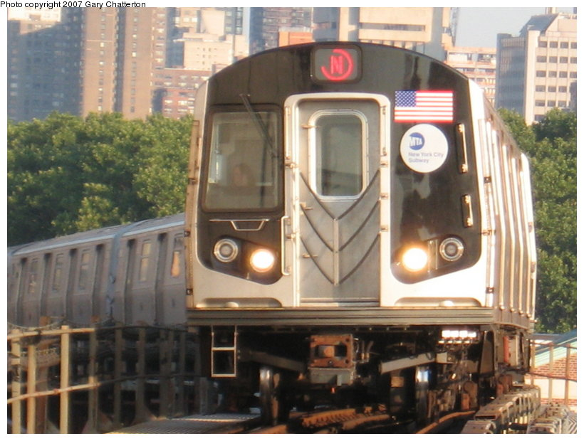 (114k, 820x620)<br><b>Country:</b> United States<br><b>City:</b> New York<br><b>System:</b> New York City Transit<br><b>Line:</b> BMT Astoria Line<br><b>Location:</b> Queensborough Plaza <br><b>Route:</b> N<br><b>Car:</b> R-160B (Kawasaki, 2005-2008)  8723 <br><b>Photo by:</b> Gary Chatterton<br><b>Date:</b> 8/1/2007<br><b>Viewed (this week/total):</b> 4 / 1519