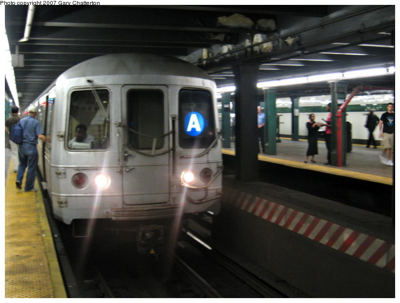 (89k, 820x620)<br><b>Country:</b> United States<br><b>City:</b> New York<br><b>System:</b> New York City Transit<br><b>Line:</b> IND 8th Avenue Line<br><b>Location:</b> West 4th Street/Washington Square <br><b>Route:</b> A<br><b>Car:</b> R-44 (St. Louis, 1971-73) 5370 <br><b>Photo by:</b> Gary Chatterton<br><b>Date:</b> 8/6/2007<br><b>Viewed (this week/total):</b> 1 / 1873