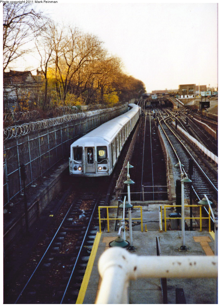 (389k, 752x1044)<br><b>Country:</b> United States<br><b>City:</b> New York<br><b>System:</b> New York City Transit<br><b>Line:</b> BMT West End Line<br><b>Location:</b> 9th Avenue <br><b>Route:</b> B<br><b>Car:</b> R-40 (St. Louis, 1968)   <br><b>Photo by:</b> Mark S. Feinman<br><b>Date:</b> 11/22/1989<br><b>Viewed (this week/total):</b> 0 / 507