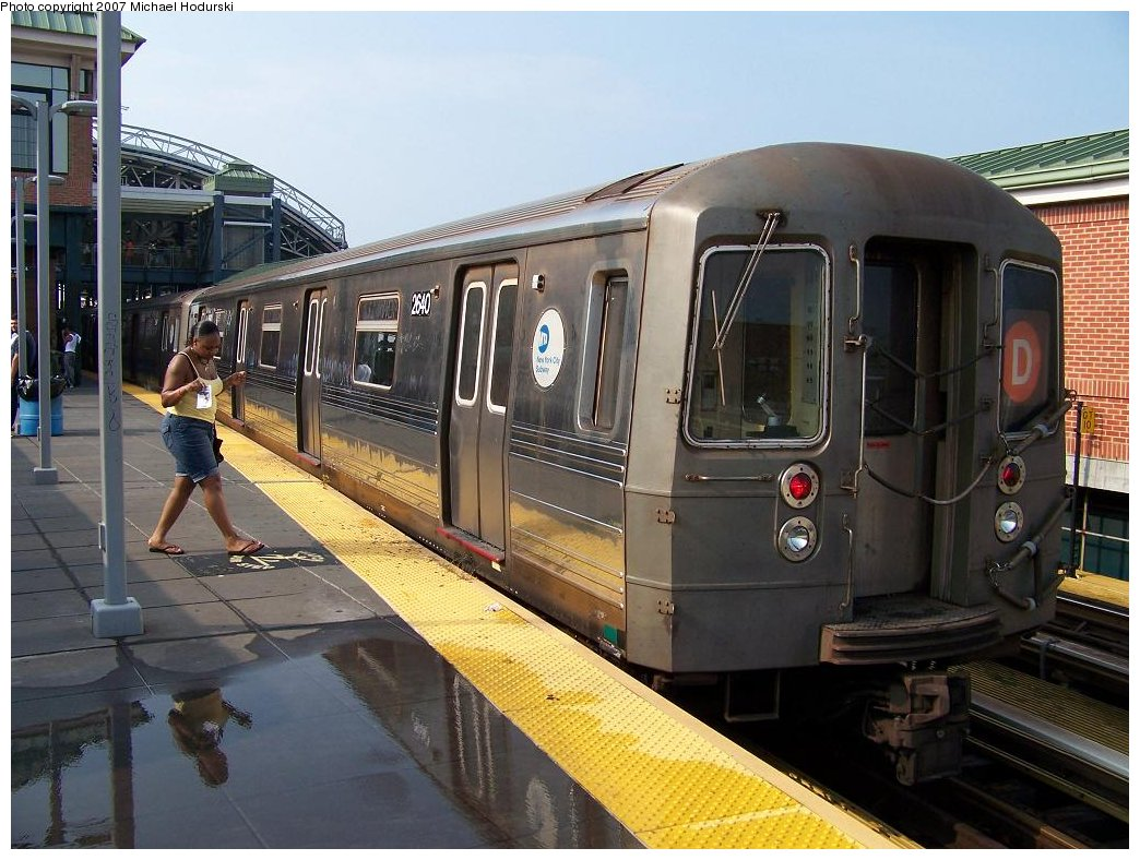 (191k, 1044x788)<br><b>Country:</b> United States<br><b>City:</b> New York<br><b>System:</b> New York City Transit<br><b>Location:</b> Coney Island Yard<br><b>Route:</b> D<br><b>Car:</b> R-68 (Westinghouse-Amrail, 1986-1988)  2640 <br><b>Photo by:</b> Michael Hodurski<br><b>Date:</b> 8/8/2007<br><b>Viewed (this week/total):</b> 2 / 1675