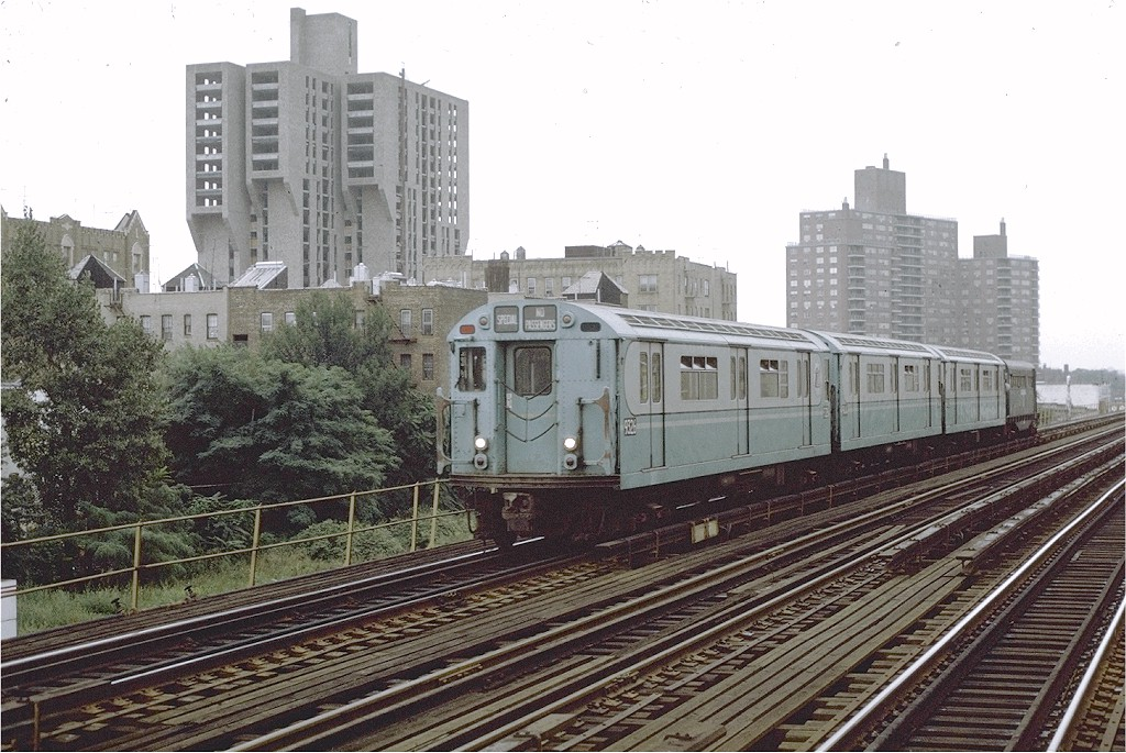 (228k, 1024x685)<br><b>Country:</b> United States<br><b>City:</b> New York<br><b>System:</b> New York City Transit<br><b>Line:</b> IRT White Plains Road Line<br><b>Location:</b> Allerton Avenue <br><b>Route:</b> Fan Trip<br><b>Car:</b> R-33 World's Fair (St. Louis, 1963-64) 9326 <br><b>Photo by:</b> Joe Testagrose<br><b>Date:</b> 9/20/1971<br><b>Viewed (this week/total):</b> 1 / 1776