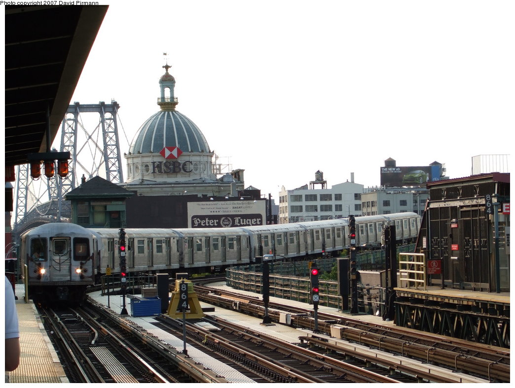 (192k, 1044x788)<br><b>Country:</b> United States<br><b>City:</b> New York<br><b>System:</b> New York City Transit<br><b>Line:</b> BMT Nassau Street/Jamaica Line<br><b>Location:</b> Marcy Avenue <br><b>Route:</b> J<br><b>Car:</b> R-42 (St. Louis, 1969-1970)  4625 <br><b>Photo by:</b> David Pirmann<br><b>Date:</b> 8/14/2007<br><b>Viewed (this week/total):</b> 1 / 1354