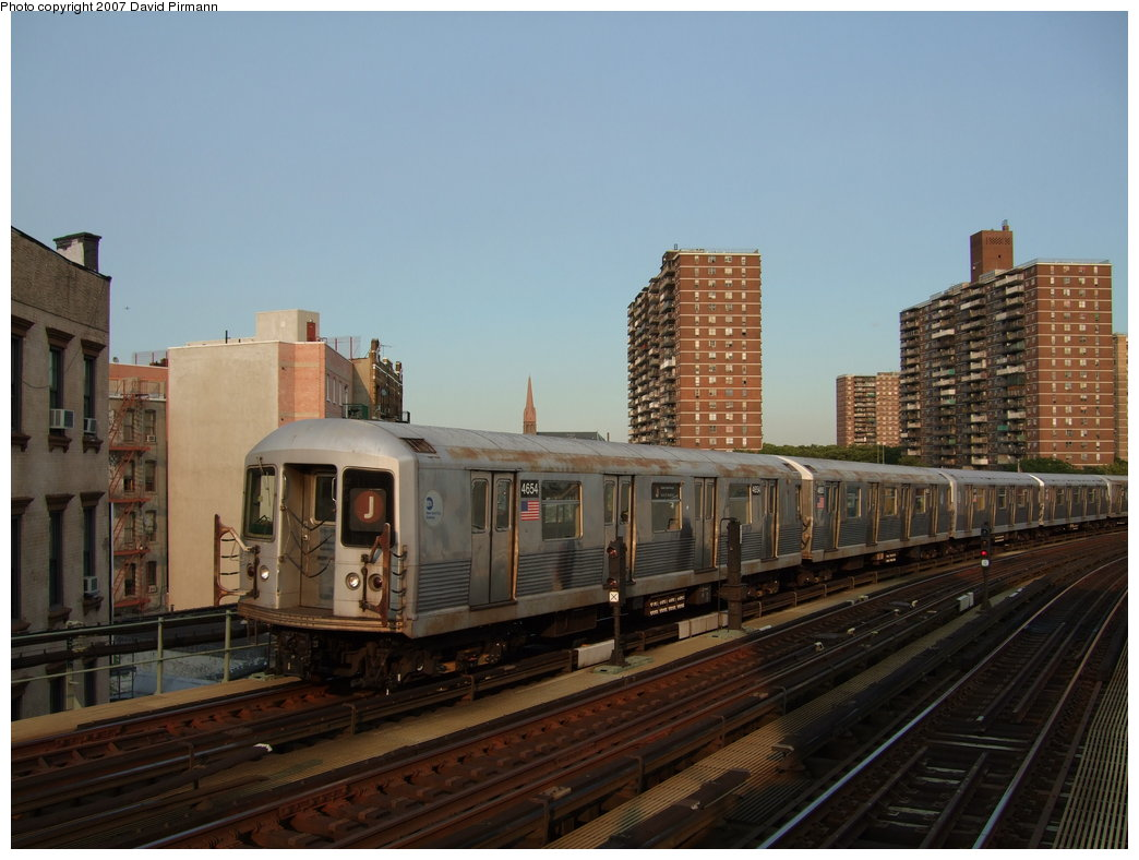 (156k, 1044x788)<br><b>Country:</b> United States<br><b>City:</b> New York<br><b>System:</b> New York City Transit<br><b>Line:</b> BMT Nassau Street/Jamaica Line<br><b>Location:</b> Hewes Street <br><b>Route:</b> J<br><b>Car:</b> R-42 (St. Louis, 1969-1970)  4654 <br><b>Photo by:</b> David Pirmann<br><b>Date:</b> 8/14/2007<br><b>Viewed (this week/total):</b> 1 / 1147