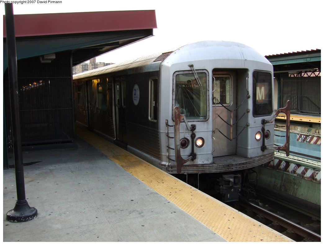 (149k, 1044x788)<br><b>Country:</b> United States<br><b>City:</b> New York<br><b>System:</b> New York City Transit<br><b>Line:</b> BMT Nassau Street/Jamaica Line<br><b>Location:</b> Flushing Avenue <br><b>Route:</b> M<br><b>Car:</b> R-42 (St. Louis, 1969-1970)  4793 <br><b>Photo by:</b> David Pirmann<br><b>Date:</b> 8/14/2007<br><b>Viewed (this week/total):</b> 1 / 1138