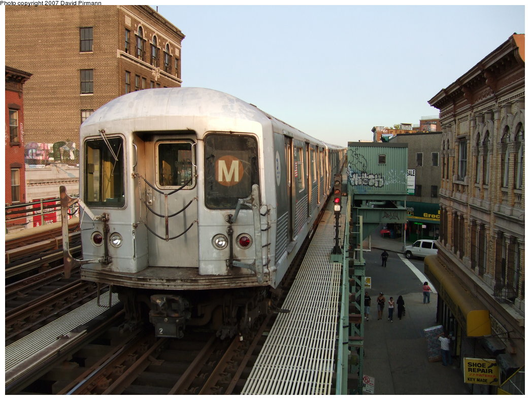 (201k, 1044x788)<br><b>Country:</b> United States<br><b>City:</b> New York<br><b>System:</b> New York City Transit<br><b>Line:</b> BMT Nassau Street/Jamaica Line<br><b>Location:</b> Flushing Avenue <br><b>Route:</b> M<br><b>Car:</b> R-42 (St. Louis, 1969-1970)   <br><b>Photo by:</b> David Pirmann<br><b>Date:</b> 8/14/2007<br><b>Viewed (this week/total):</b> 0 / 1321
