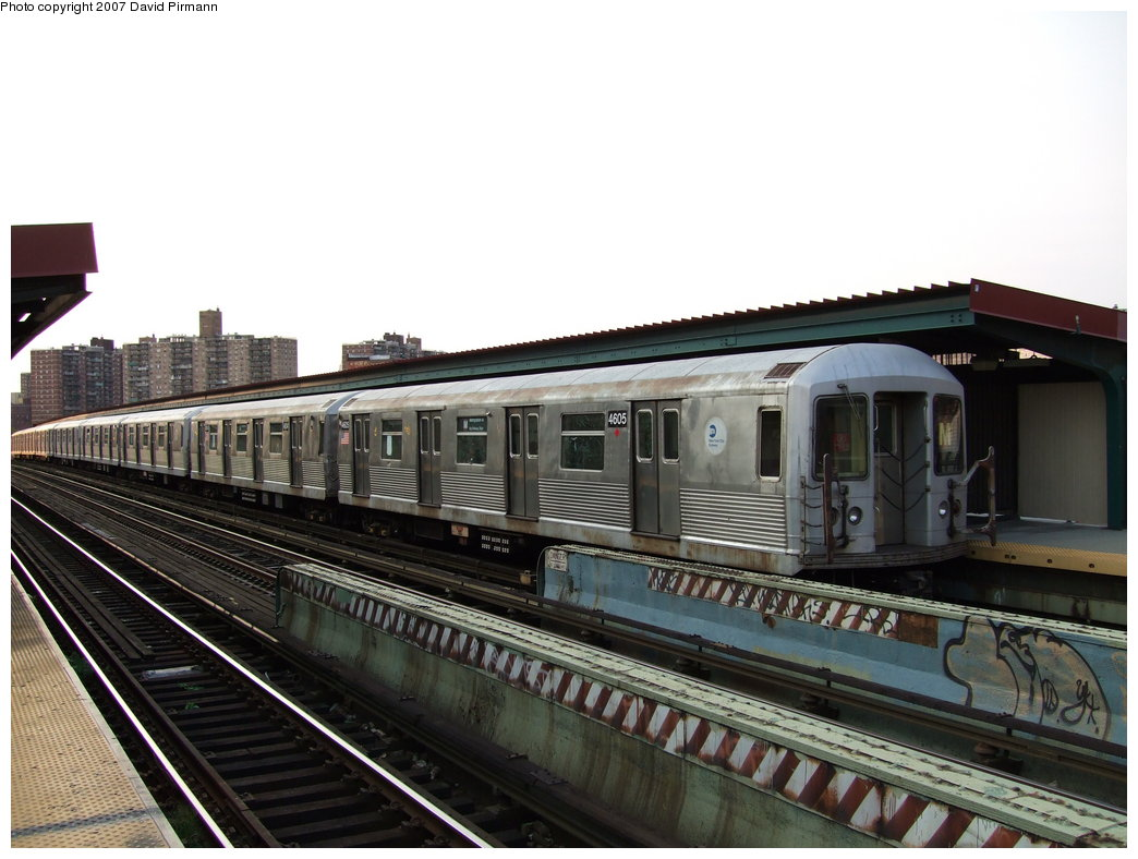 (163k, 1044x788)<br><b>Country:</b> United States<br><b>City:</b> New York<br><b>System:</b> New York City Transit<br><b>Line:</b> BMT Nassau Street/Jamaica Line<br><b>Location:</b> Flushing Avenue <br><b>Route:</b> M<br><b>Car:</b> R-42 (St. Louis, 1969-1970)  4605 <br><b>Photo by:</b> David Pirmann<br><b>Date:</b> 8/14/2007<br><b>Viewed (this week/total):</b> 2 / 1058