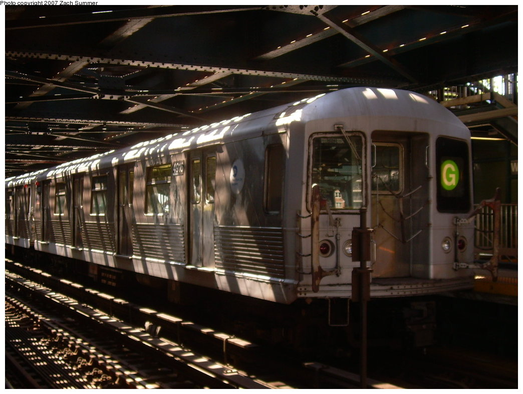 (195k, 1044x788)<br><b>Country:</b> United States<br><b>City:</b> New York<br><b>System:</b> New York City Transit<br><b>Line:</b> BMT Culver Line<br><b>Location:</b> West 8th Street <br><b>Route:</b> G<br><b>Car:</b> R-42 (St. Louis, 1969-1970)  4916 <br><b>Photo by:</b> Zach Summer<br><b>Date:</b> 8/12/2007<br><b>Viewed (this week/total):</b> 0 / 1525