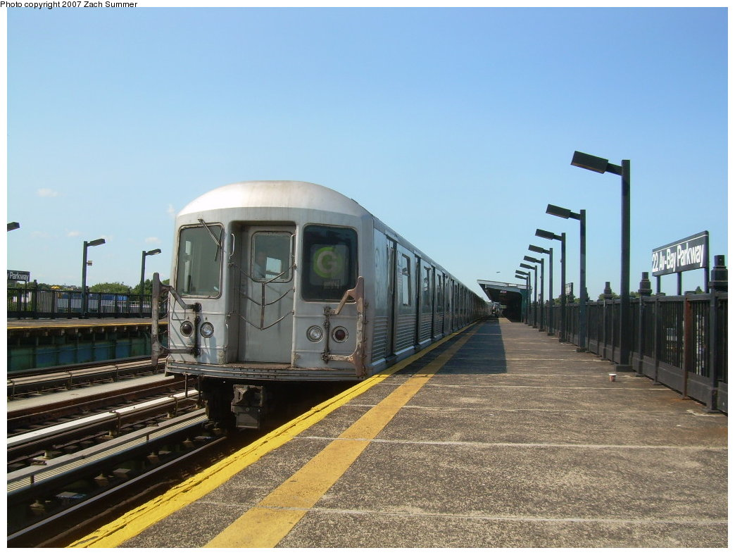 (205k, 1044x788)<br><b>Country:</b> United States<br><b>City:</b> New York<br><b>System:</b> New York City Transit<br><b>Line:</b> BMT Culver Line<br><b>Location:</b> Bay Parkway (22nd Avenue) <br><b>Route:</b> G<br><b>Car:</b> R-42 (St. Louis, 1969-1970)  4932 <br><b>Photo by:</b> Zach Summer<br><b>Date:</b> 8/12/2007<br><b>Viewed (this week/total):</b> 0 / 1879