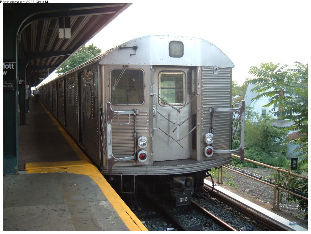 (189k, 1044x788)<br><b>Country:</b> United States<br><b>City:</b> New York<br><b>System:</b> New York City Transit<br><b>Line:</b> IND Rockaway<br><b>Location:</b> Mott Avenue/Far Rockaway <br><b>Route:</b> A<br><b>Car:</b> R-32 (Budd, 1964)  3477 <br><b>Photo by:</b> Chris M.<br><b>Date:</b> 8/15/2007<br><b>Viewed (this week/total):</b> 2 / 1021