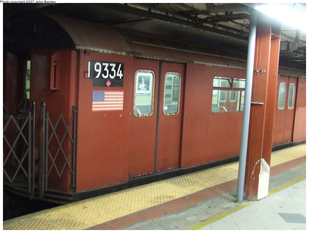 (145k, 1044x788)<br><b>Country:</b> United States<br><b>City:</b> New York<br><b>System:</b> New York City Transit<br><b>Line:</b> IND 8th Avenue Line<br><b>Location:</b> 59th Street/Columbus Circle <br><b>Route:</b> Work Service<br><b>Car:</b> R-33 World's Fair (St. Louis, 1963-64) 9334 <br><b>Photo by:</b> John Barnes<br><b>Date:</b> 8/10/2007<br><b>Viewed (this week/total):</b> 0 / 1261