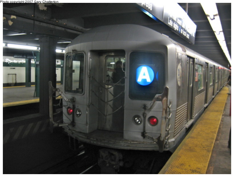 (83k, 820x620)<br><b>Country:</b> United States<br><b>City:</b> New York<br><b>System:</b> New York City Transit<br><b>Line:</b> IND 8th Avenue Line<br><b>Location:</b> West 4th Street/Washington Square <br><b>Route:</b> A<br><b>Car:</b> R-42 (St. Louis, 1969-1970)  4911 <br><b>Photo by:</b> Gary Chatterton<br><b>Date:</b> 8/16/2007<br><b>Viewed (this week/total):</b> 2 / 2858