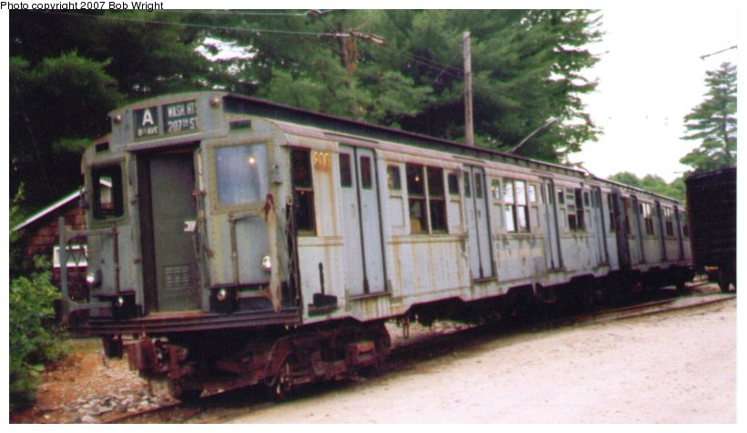 (75k, 820x475)<br><b>Country:</b> United States<br><b>City:</b> Kennebunk, ME<br><b>System:</b> Seashore Trolley Museum <br><b>Car:</b> R-4 (American Car & Foundry, 1932-1933) 800 <br><b>Photo by:</b> Bob Wright<br><b>Date:</b> 7/1997<br><b>Viewed (this week/total):</b> 2 / 1182