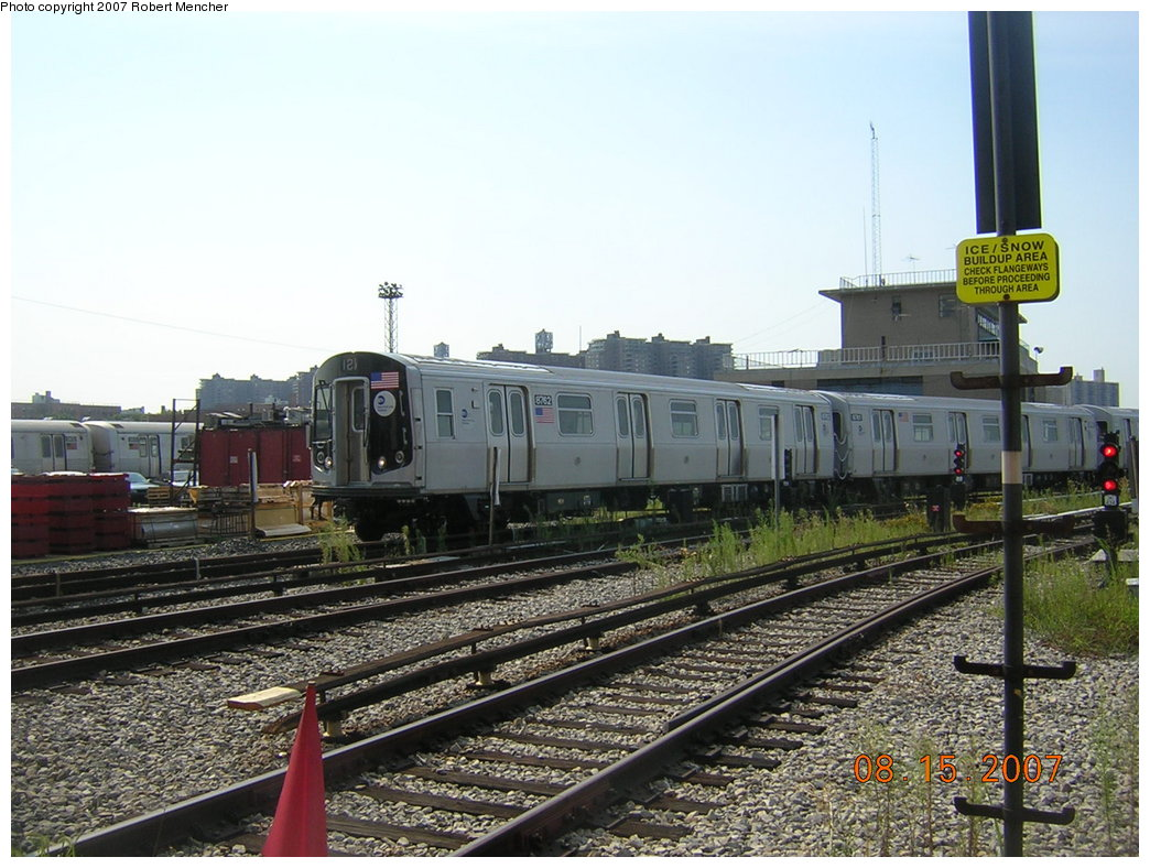 (222k, 1044x788)<br><b>Country:</b> United States<br><b>City:</b> New York<br><b>System:</b> New York City Transit<br><b>Location:</b> Coney Island Yard<br><b>Car:</b> R-160B (Kawasaki, 2005-2008)  8762 <br><b>Photo by:</b> Robert Mencher<br><b>Date:</b> 8/15/2007<br><b>Viewed (this week/total):</b> 1 / 1565