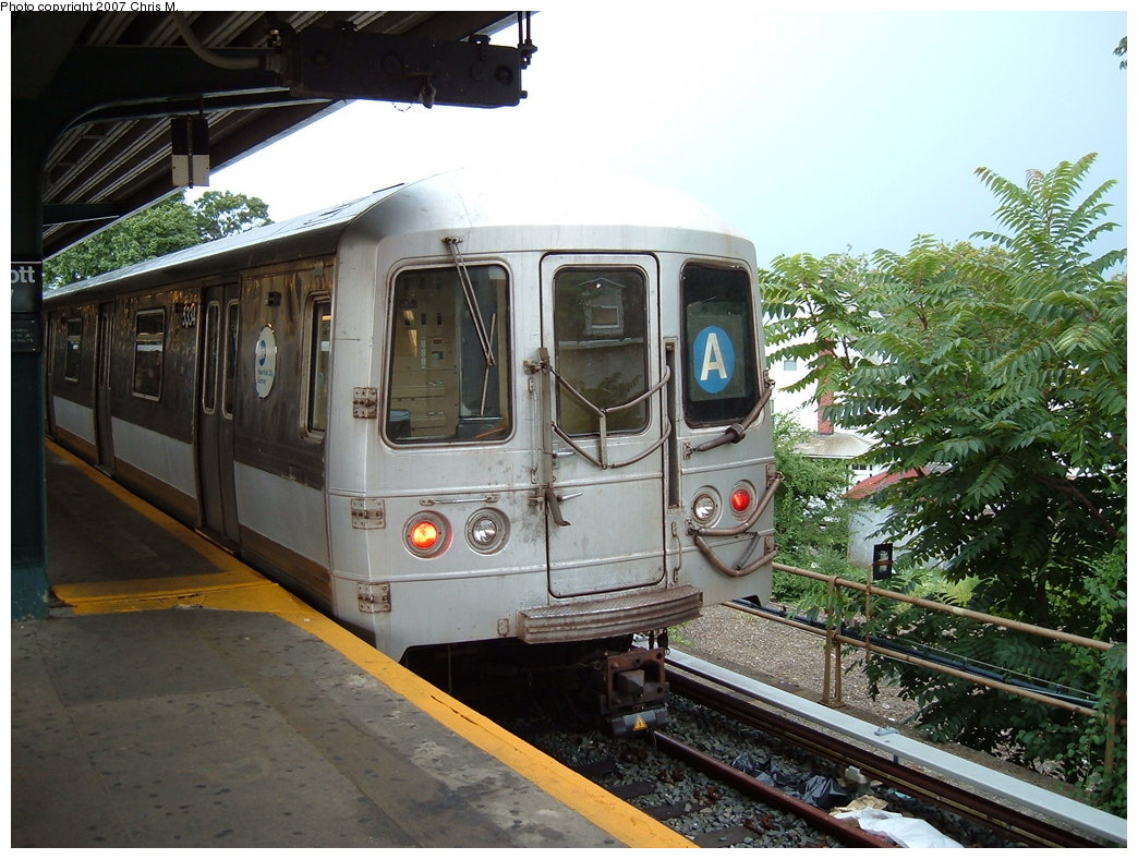 (213k, 1044x788)<br><b>Country:</b> United States<br><b>City:</b> New York<br><b>System:</b> New York City Transit<br><b>Line:</b> IND Rockaway<br><b>Location:</b> Mott Avenue/Far Rockaway <br><b>Route:</b> A<br><b>Car:</b> R-44 (St. Louis, 1971-73) 5334 <br><b>Photo by:</b> Chris M.<br><b>Date:</b> 8/17/2007<br><b>Viewed (this week/total):</b> 3 / 928