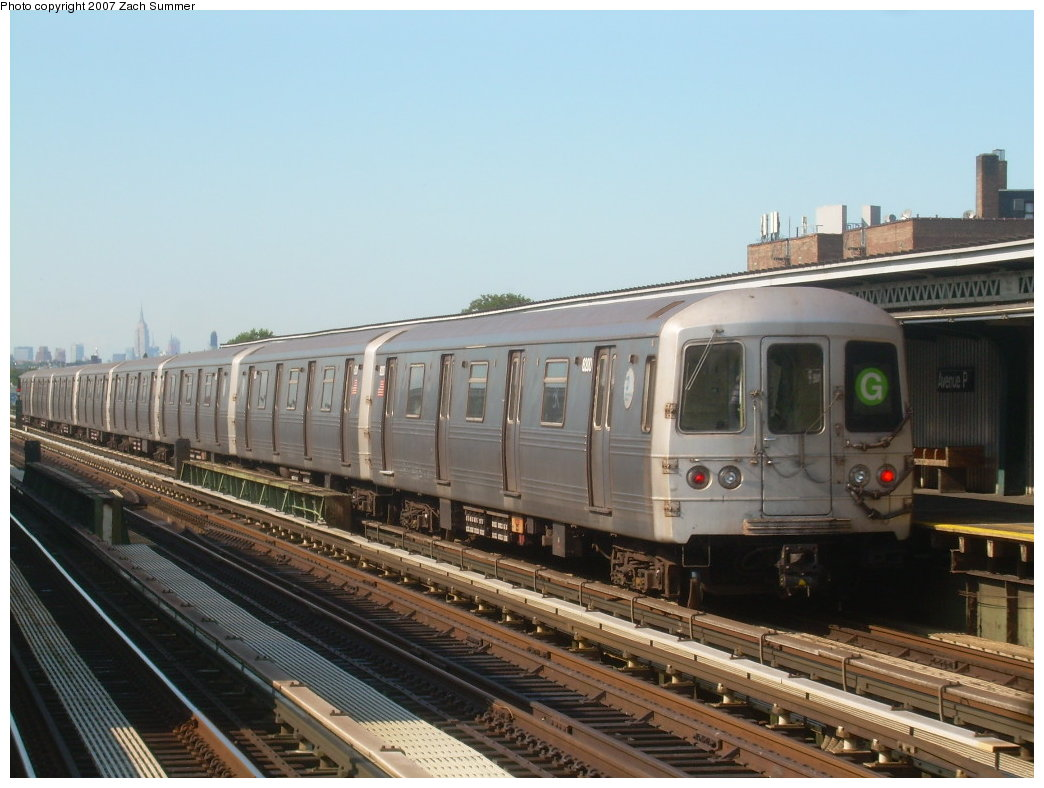 (189k, 1044x788)<br><b>Country:</b> United States<br><b>City:</b> New York<br><b>System:</b> New York City Transit<br><b>Line:</b> BMT Culver Line<br><b>Location:</b> Avenue P <br><b>Route:</b> G<br><b>Car:</b> R-46 (Pullman-Standard, 1974-75)  <br><b>Photo by:</b> Zach Summer<br><b>Date:</b> 8/12/2007<br><b>Viewed (this week/total):</b> 1 / 1197