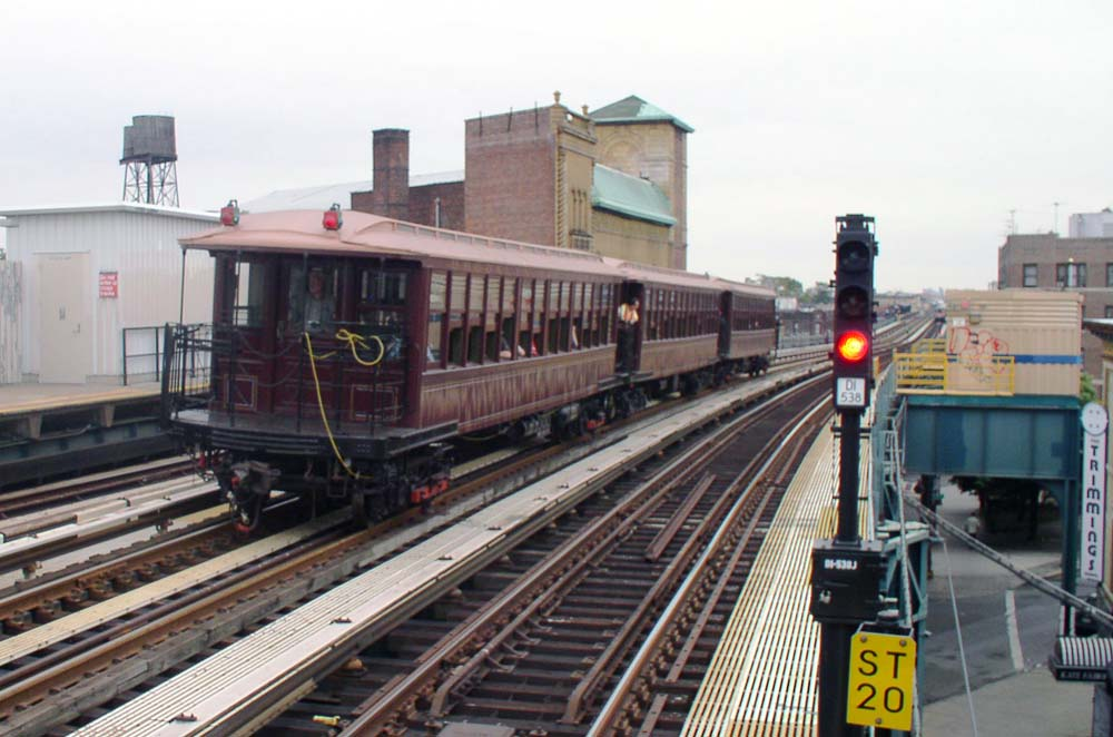 (109k, 1000x662)<br><b>Country:</b> United States<br><b>City:</b> New York<br><b>System:</b> New York City Transit<br><b>Line:</b> BMT West End Line<br><b>Location:</b> Fort Hamilton Parkway <br><b>Route:</b> Fan Trip<br><b>Car:</b> BMT Elevated Gate Car 1404/1237/1407 <br><b>Photo by:</b> Christopher Sattler<br><b>Date:</b> 7/24/2004<br><b>Viewed (this week/total):</b> 4 / 1073