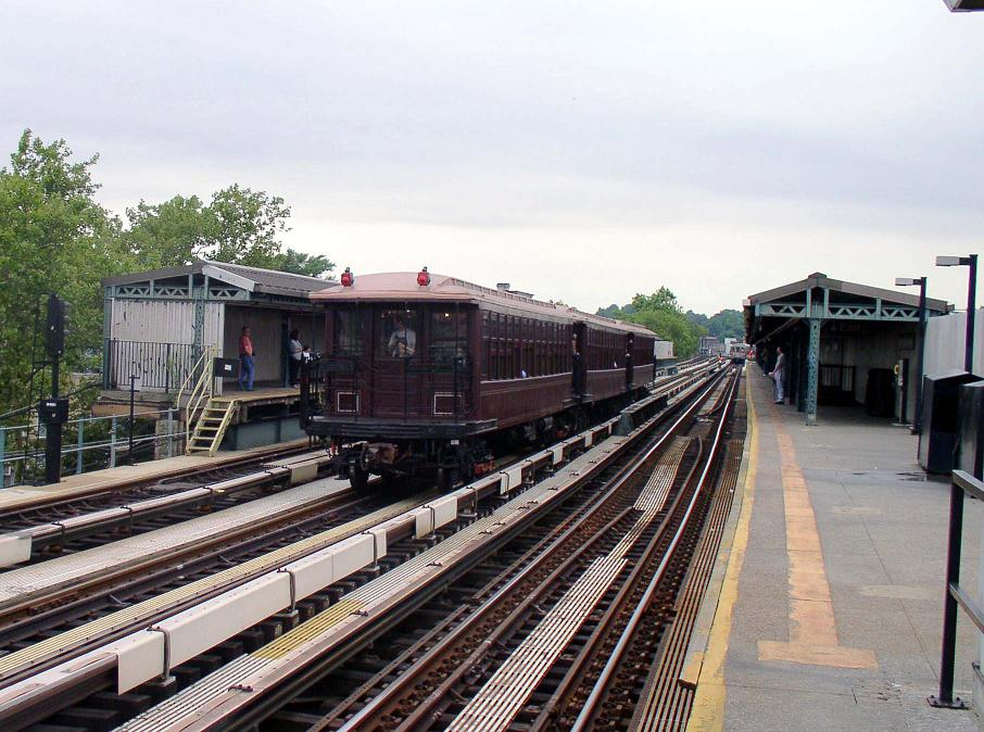 (127k, 906x674)<br><b>Country:</b> United States<br><b>City:</b> New York<br><b>System:</b> New York City Transit<br><b>Line:</b> BMT West End Line<br><b>Location:</b> Fort Hamilton Parkway <br><b>Route:</b> Fan Trip<br><b>Car:</b> BMT Elevated Gate Car 1404/1237/1407 <br><b>Photo by:</b> Christopher Sattler<br><b>Date:</b> 7/24/2004<br><b>Viewed (this week/total):</b> 0 / 1146