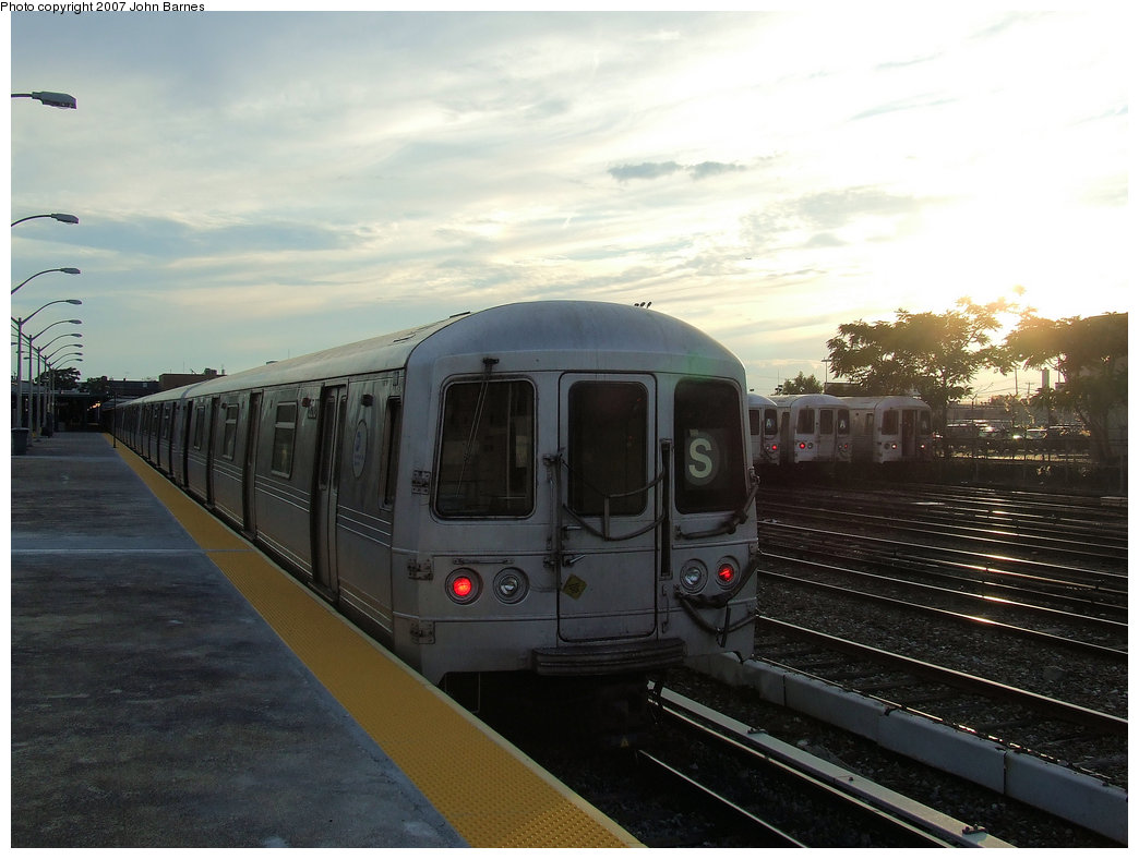 (150k, 1044x788)<br><b>Country:</b> United States<br><b>City:</b> New York<br><b>System:</b> New York City Transit<br><b>Line:</b> IND Rockaway<br><b>Location:</b> Rockaway Park/Beach 116th Street <br><b>Route:</b> S<br><b>Car:</b> R-44 (St. Louis, 1971-73) 5210 <br><b>Photo by:</b> John Barnes<br><b>Date:</b> 7/22/2007<br><b>Viewed (this week/total):</b> 0 / 1611