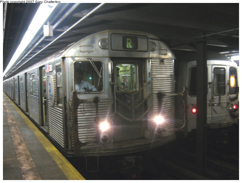 (87k, 820x620)<br><b>Country:</b> United States<br><b>City:</b> New York<br><b>System:</b> New York City Transit<br><b>Line:</b> IND Queens Boulevard Line<br><b>Location:</b> Northern Boulevard <br><b>Route:</b> R<br><b>Car:</b> R-32 (GE Rebuild) 3880 <br><b>Photo by:</b> Gary Chatterton<br><b>Date:</b> 8/20/2007<br><b>Viewed (this week/total):</b> 2 / 3918