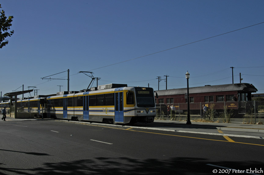 (123k, 864x574)<br><b>Country:</b> United States<br><b>City:</b> Sacramento, CA<br><b>System:</b> SACRT Light Rail<br><b>Location:</b> Sacramento Valley Station (Amtrak) <br><b>Car:</b> Sacramento CAF LRV  202 <br><b>Photo by:</b> Peter Ehrlich<br><b>Date:</b> 8/20/2007<br><b>Notes:</b> Leaving Sacramento Valley Station.<br><b>Viewed (this week/total):</b> 5 / 803